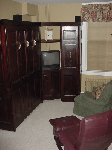 Double Murphy bed  Saratoga Springs vacation home