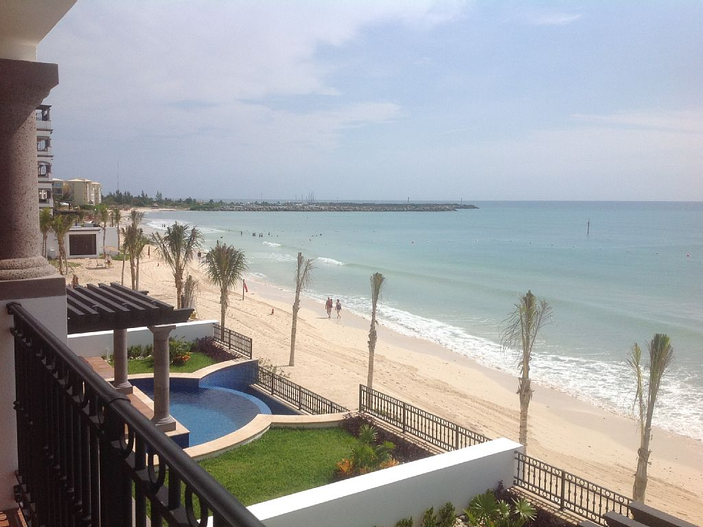 3 Bedroom Condo on the Beach with Full Amenities of Luxury Resort Complex