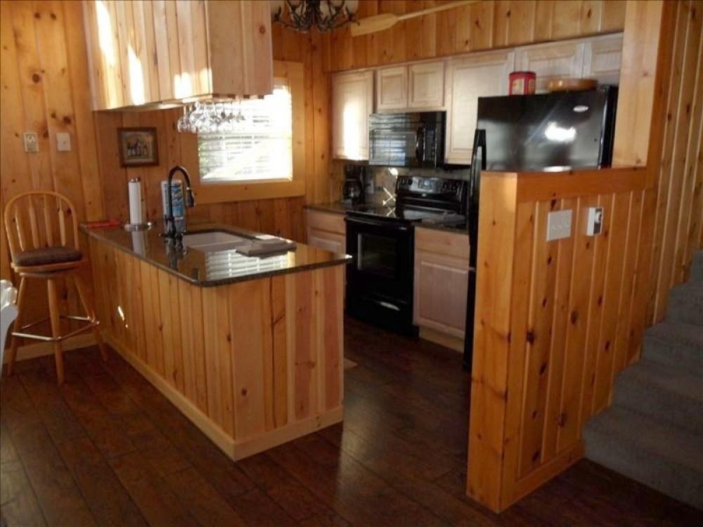 Beautiful LAKESIDE Vacation Homes on Payette Lake: Frederick Lodge