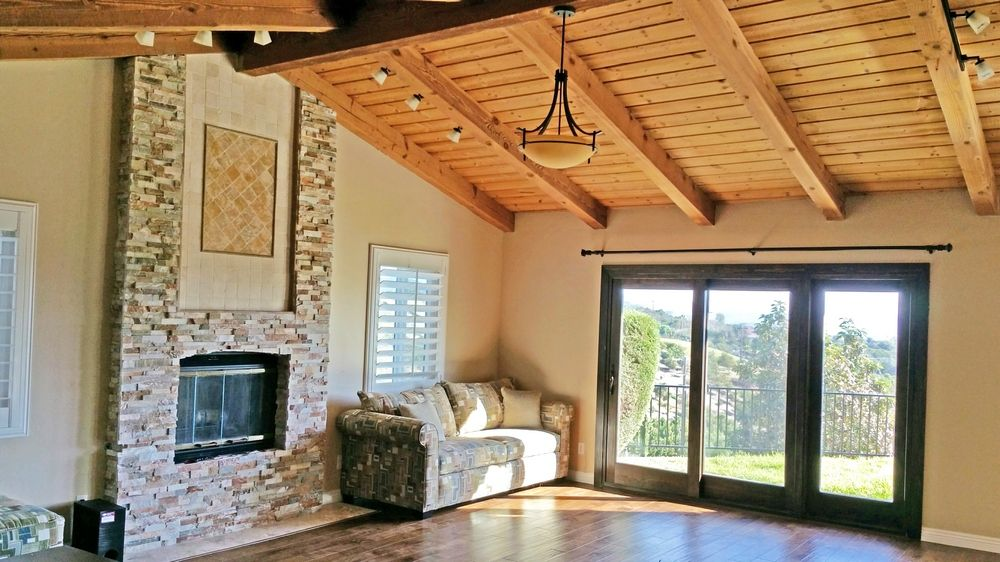 Beautiful San Diego (Fallbrook) Retreat on 2+ Acres with Amazing Mountain View