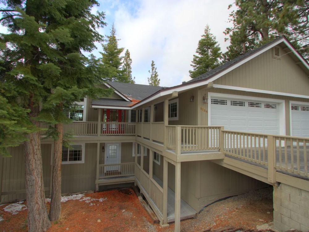 South Lake Tahoe vacation rental with Front of House