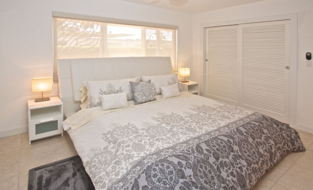 Pompano Beach vacation rental with Bedroom with king bed, large closet