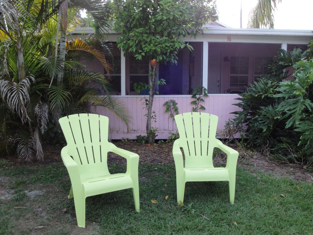 Discover the Way Florida Used to Be at the Quaint Pink Flamingo Cottage