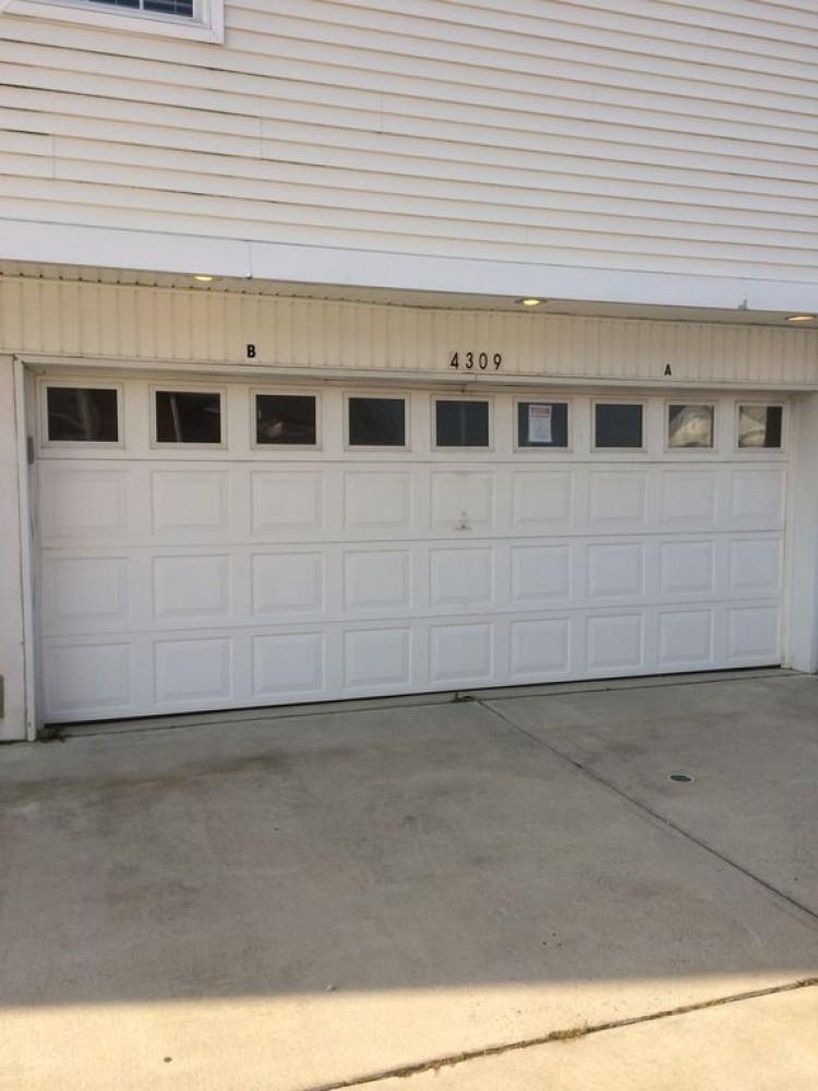 2 car garage! Wildwood vacation home