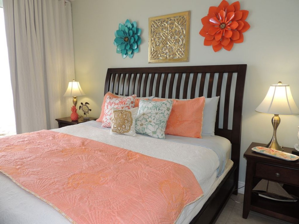 Panama City Beach vacation rental with Cheerful master w/ king size bed