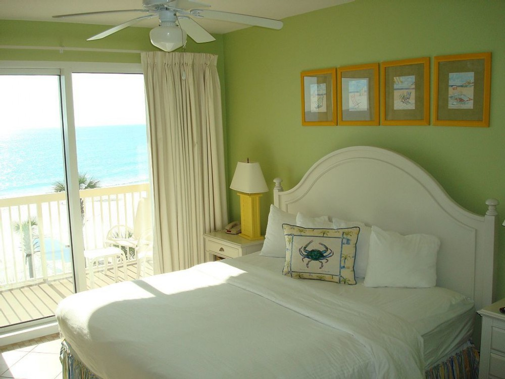 Panama City Beach vacation rental with Beautiful master w/ king size bed