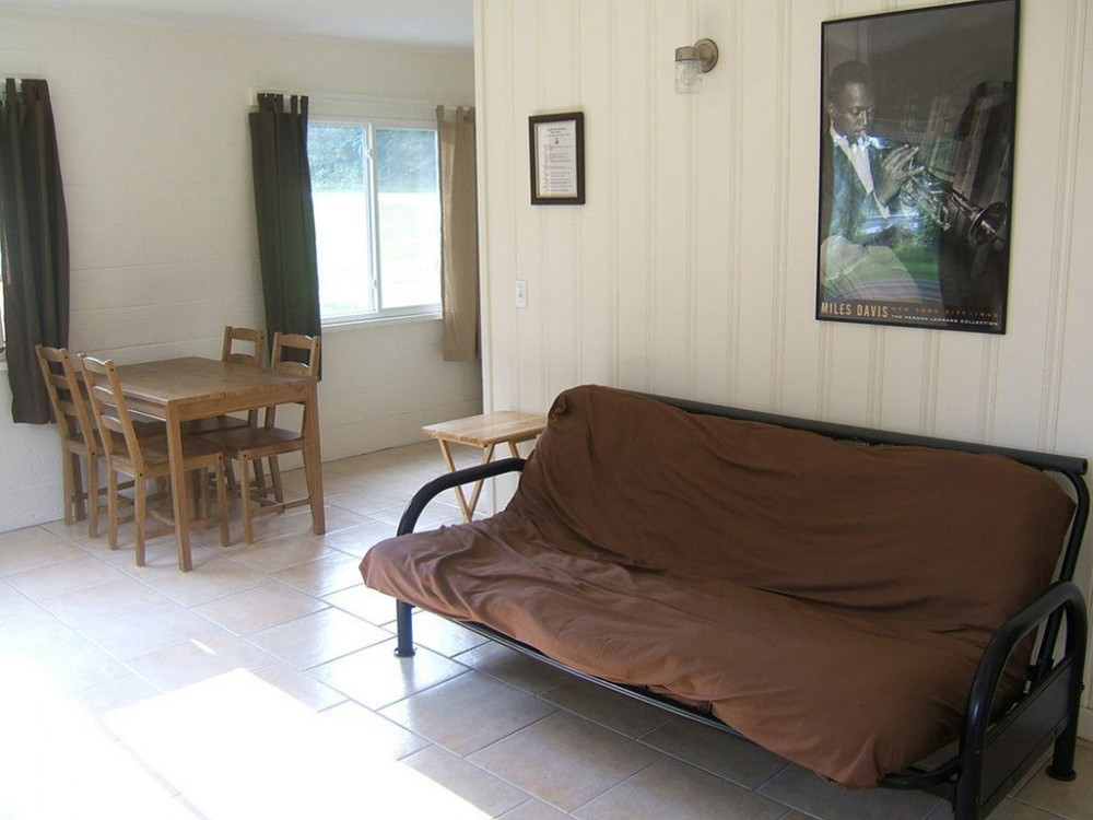 Jazz Cottage - Lakefront Cottages On Semi-private Lake, Beach, Boats, Fun!