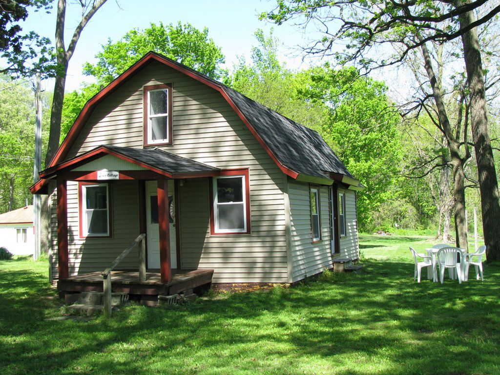 2 Bed Short Term Rental Cottage Three Rivers