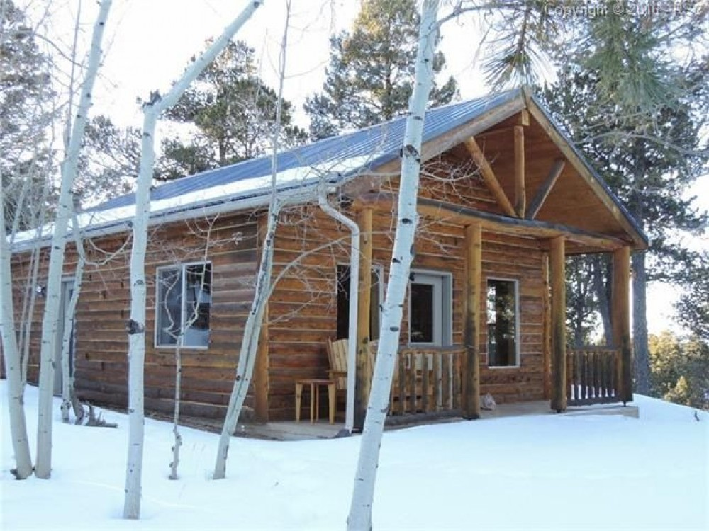 Woodland Park vacation rental with Front and side view of cabin