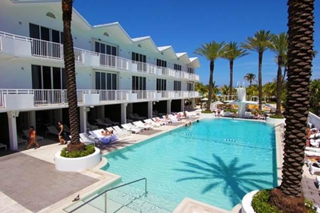 3 Room Metropolitan Oceanfront Suite at Shelborne South Beach
