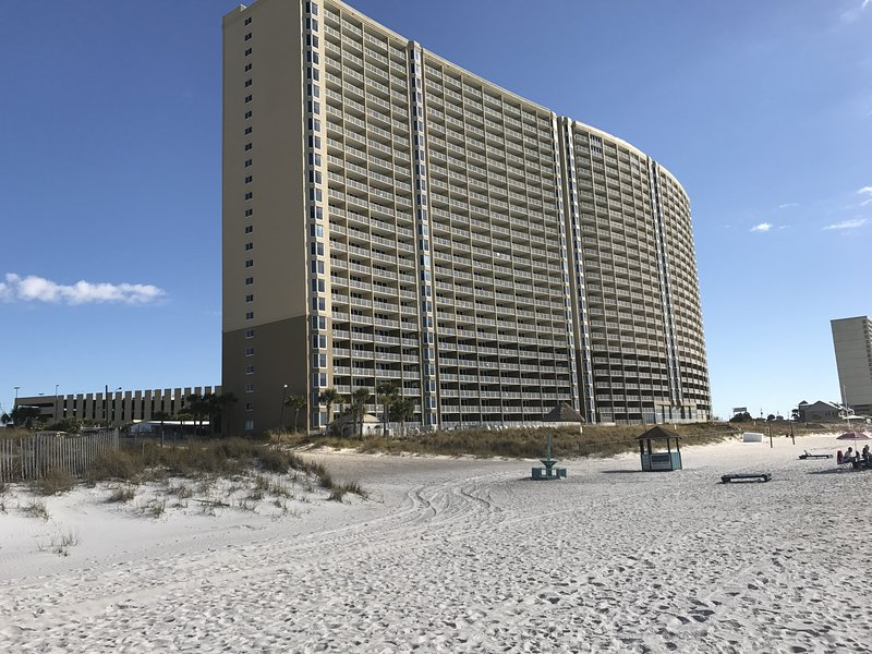 Emerald Beach Panama City Beach vacation rental sleeps 8.