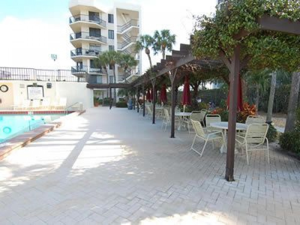 Siesta Key vacation rental with DINNING POOL SIDE