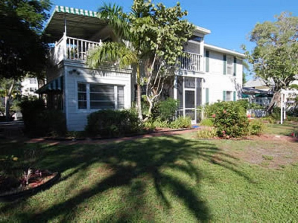 Siesta Key vacation rental with BANYAN TREE BEACH RESORT LLC