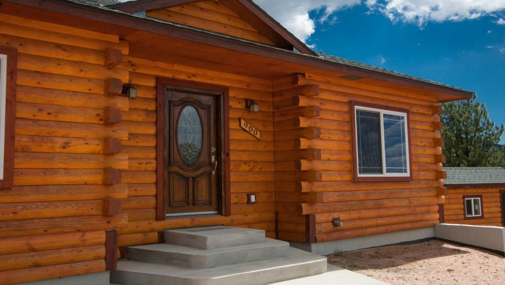 New Log Cabin With Great Mountain Views in Cripple Creek with 4 Acres of Aspen