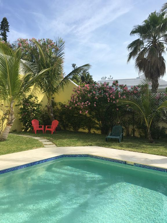 Large private pool  Holyoke vacation home