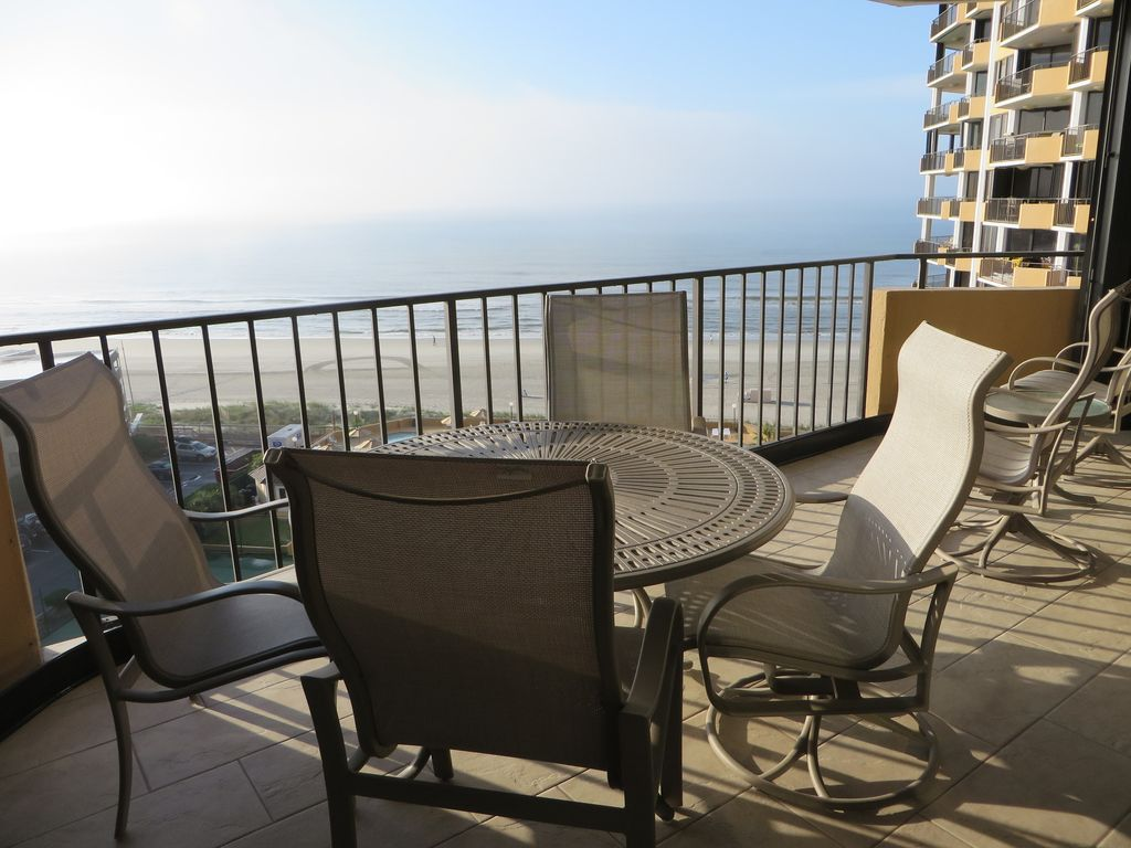 Luxury Maisons-sur-Mer Condo With Breathtaking Oceanfront Views!