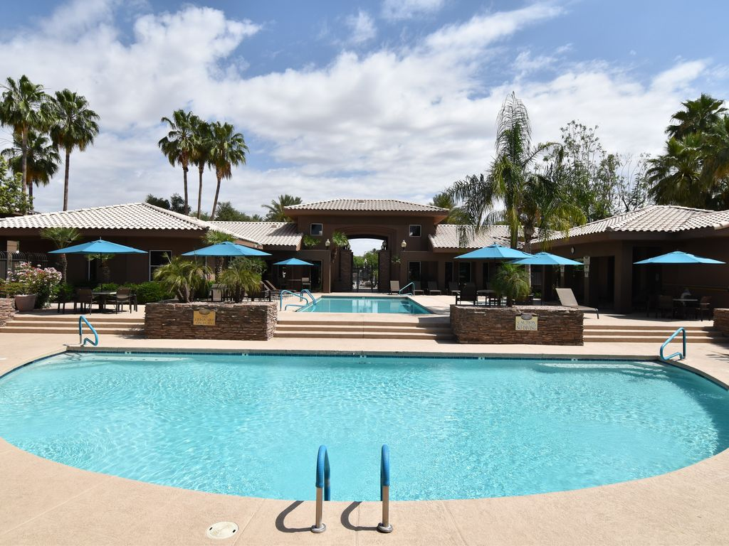 Scottsdale Condo, Wi-Fi, Gated Entry, Hot tub/pool, King bed