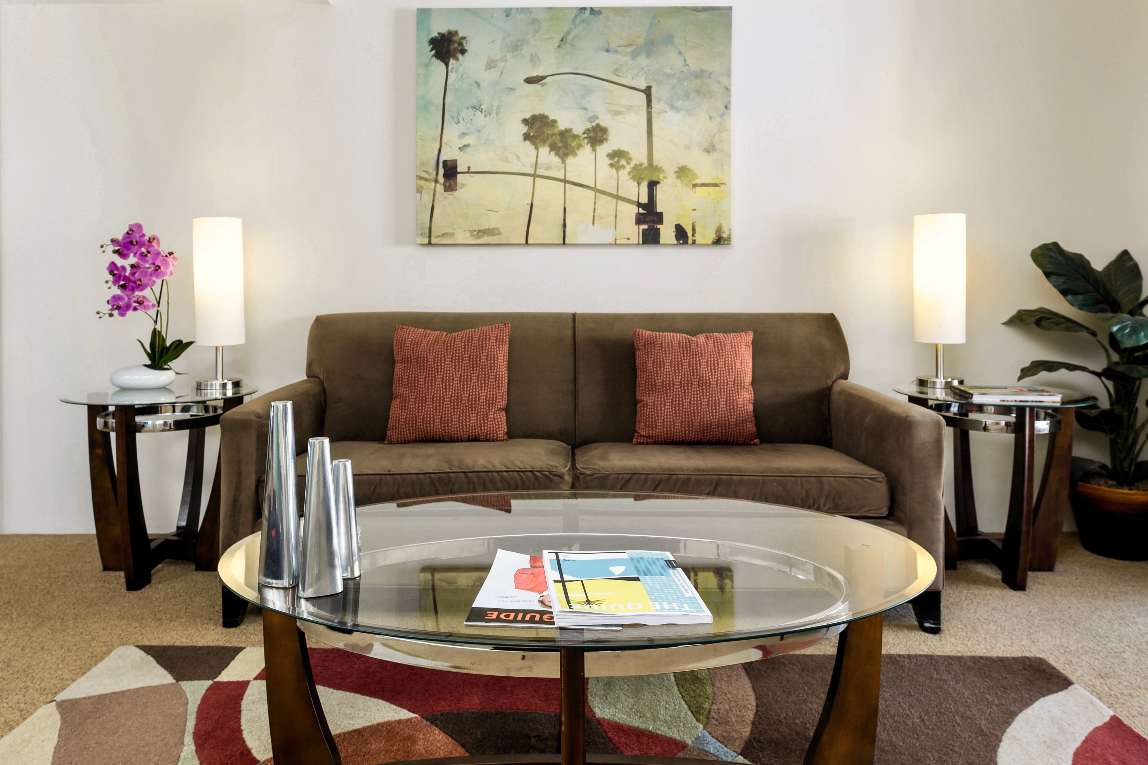 Palm Springs Contemporary Comfort * 5 Stars *