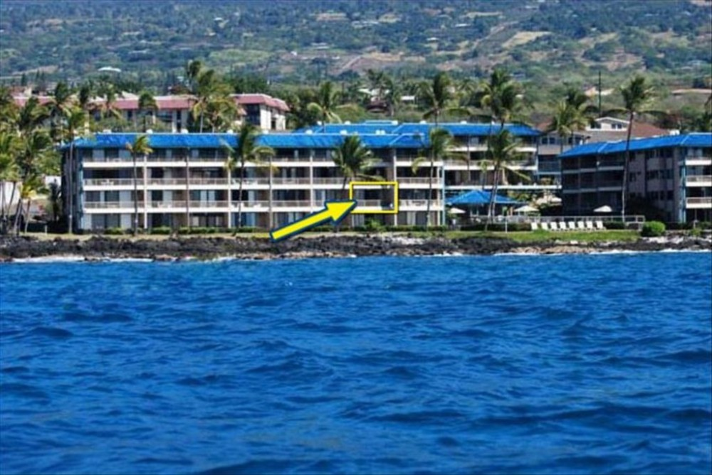 Kailua-Kona vacation rental with View from the Ocean, direct ocean front condo