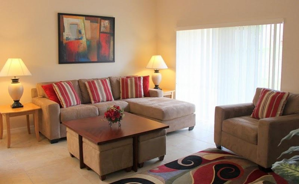 Davenport vacation rental with large lounge and living area