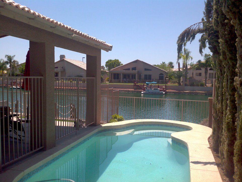 3BR/2BA - Lakefront w/ Private Pool