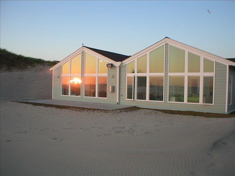 Elegant Beachfront 5 BR/4.5 Bath One Level Home