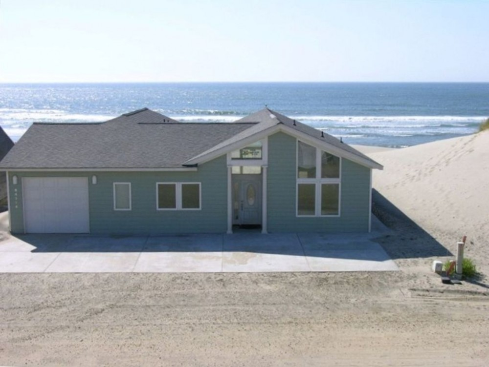 Pacific City vacation rental with Spacious 5 Bedroom Home