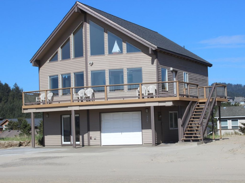 Pacific City vacation rental with 3 Level Home - 2nd Row from Beach in a Private Gated Community.