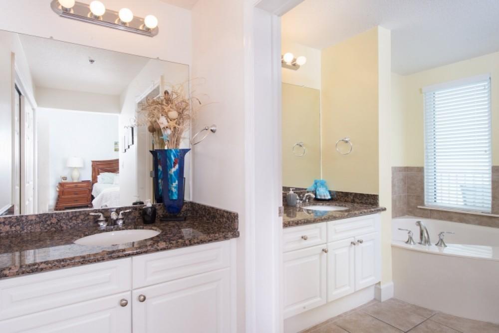 Master Bedroom- Jacuzzi tub - walk in shower Airbnb Alternative Gulf Shores Alabama Rentals