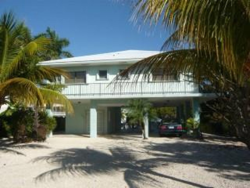 Tavernier vacation rental with Front of Home