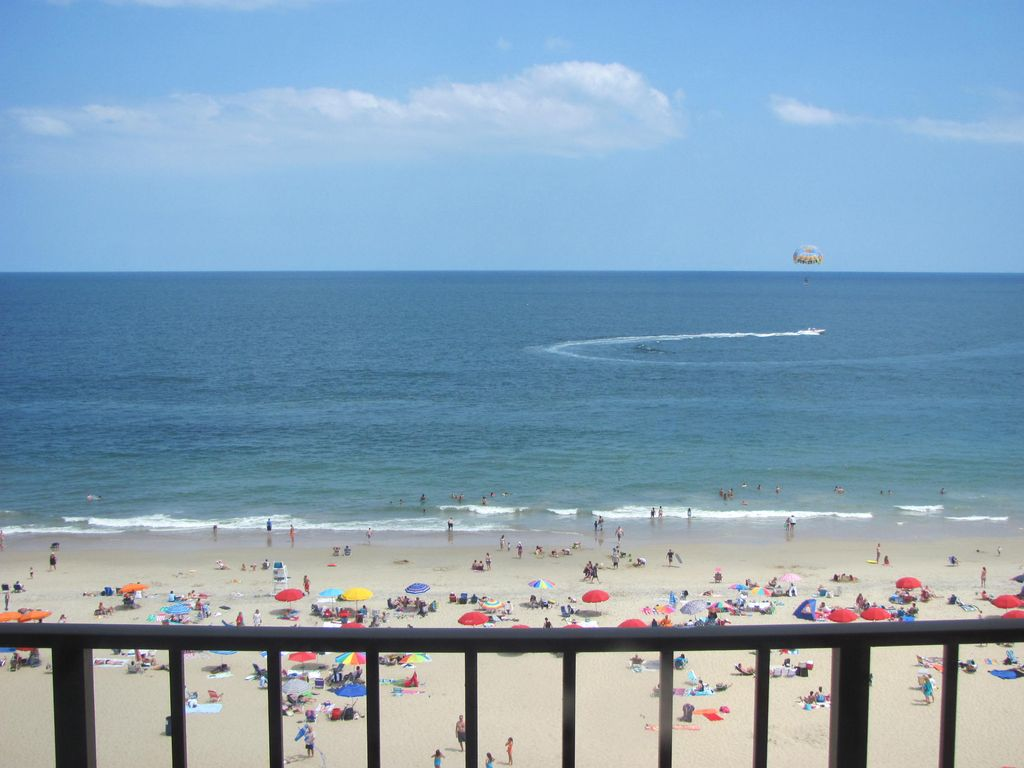 Commanding View From Direct Oceanfront Condo