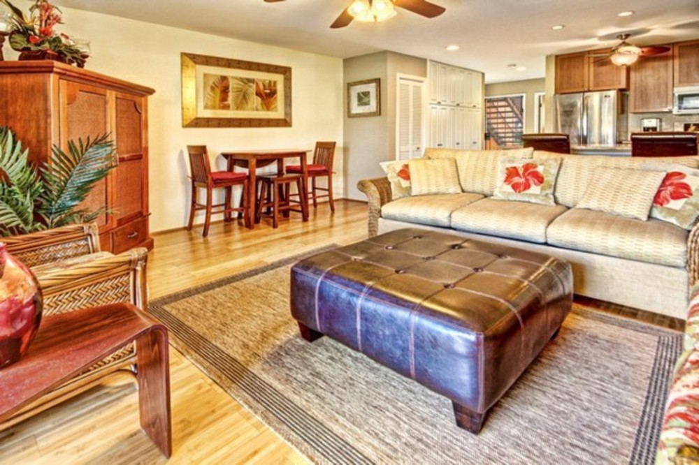 Kihei vacation rental with Main living area