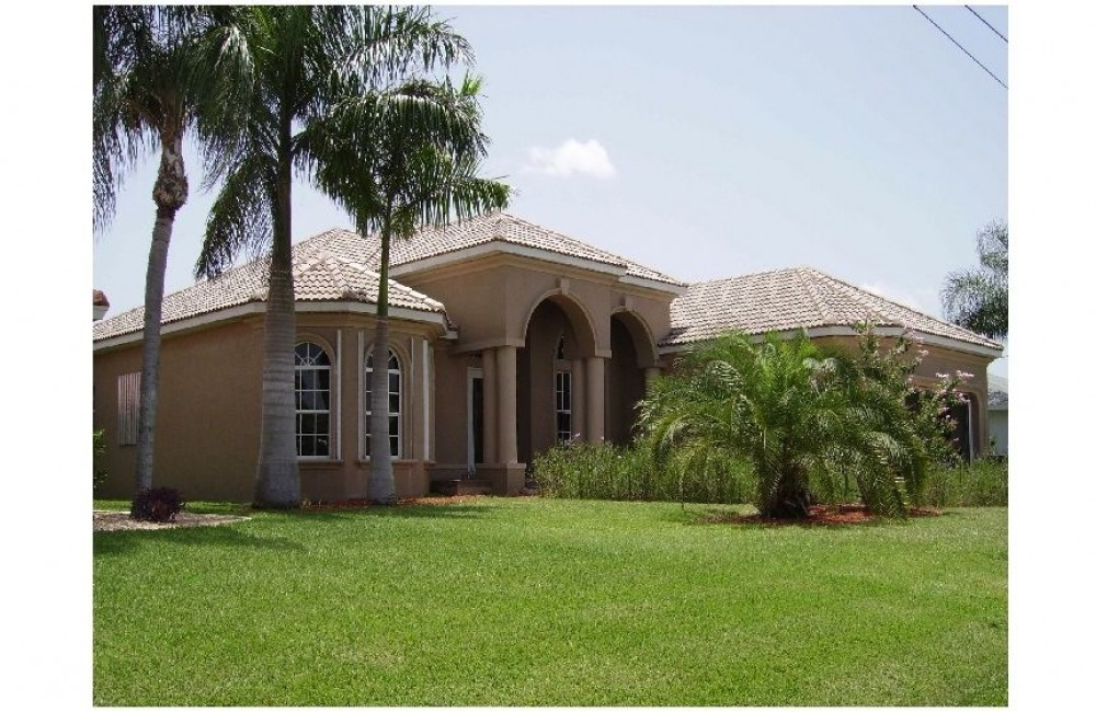 Cape Coral vacation rental with FRONT VIEW OF HOUSE Villa EXECUTIVE