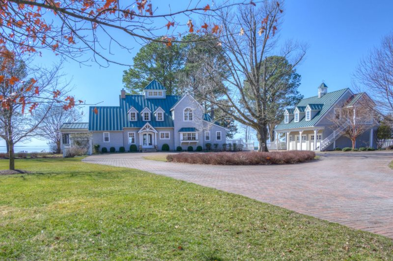 New for 2017 Season! Broad Water Views and Summer Breezes