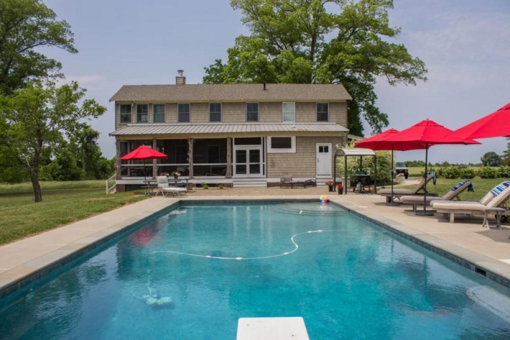 Magnificent Centreville Maryland Vacation Rental Creek Cottage 4 Home Interior And Landscaping Ponolsignezvosmurscom