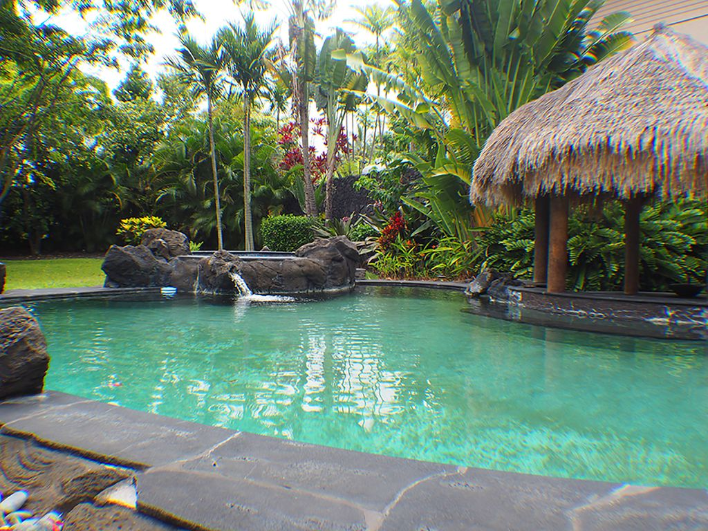 Great Views, Private Big Island Estate