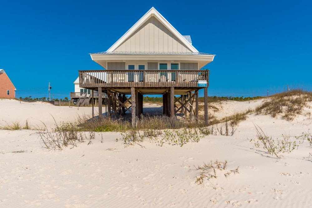 Gulf Shores vacation rental with  NEW siding   NEW roof In February 2017