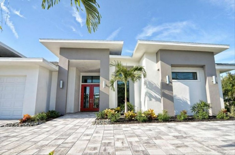 Cape Coral vacation rental with Miami Style  - Front