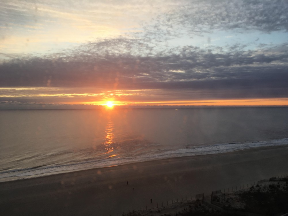 Wake up to sunshine! Ocean City vacation home