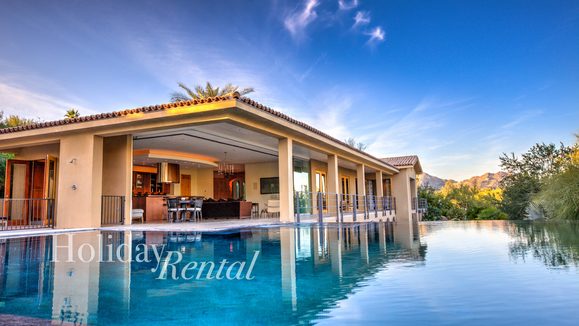 Amazing Views of Camelback, Modern Luxury, infinity pool, close to Old Town