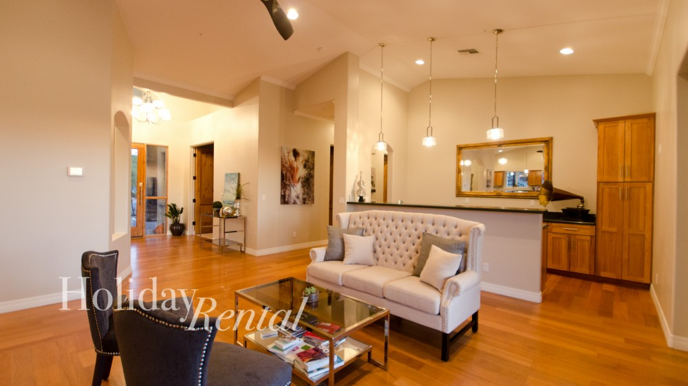 Scottsdale vacation rental with Front room sitting area