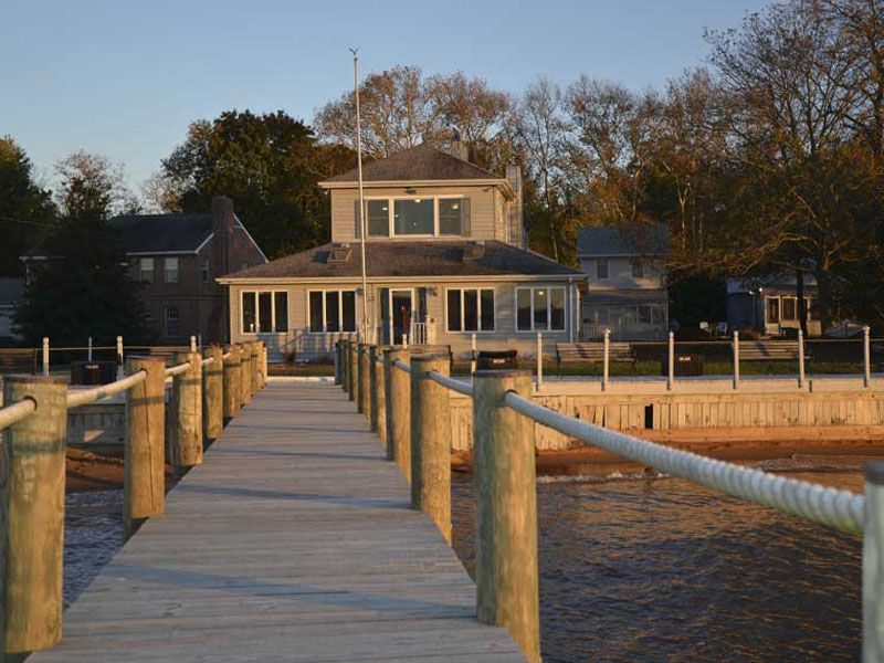 Spectacular Waterfront Property! - Dock, Beach,Bungalows & Boat Lift!!