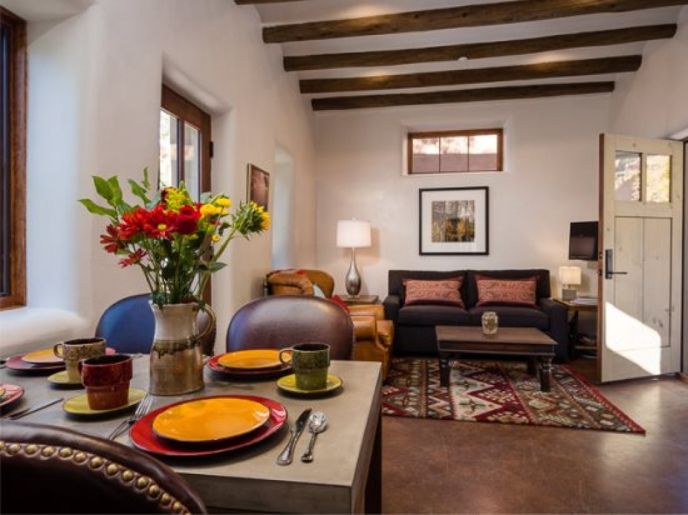 Santa Fe vacation rental with Dining area into living room