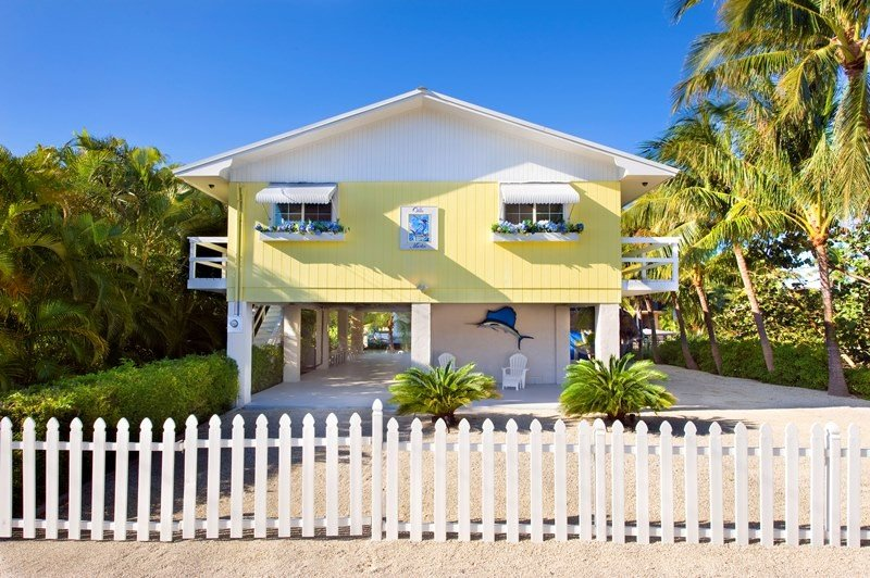 No Storm Damage,  private sandy beach, Renovated  Remodeled