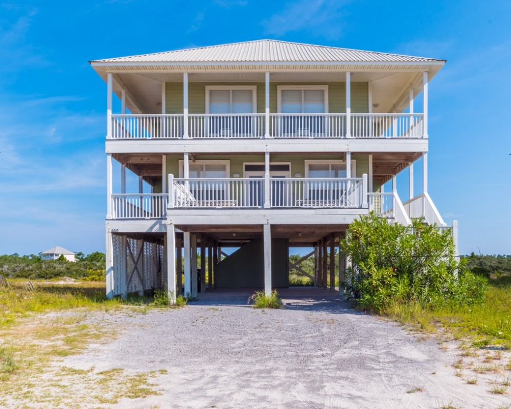 Gulf Shores vacation rental with  Sawgrass  is a fantastic beach getaway   Located just a short walk to the water