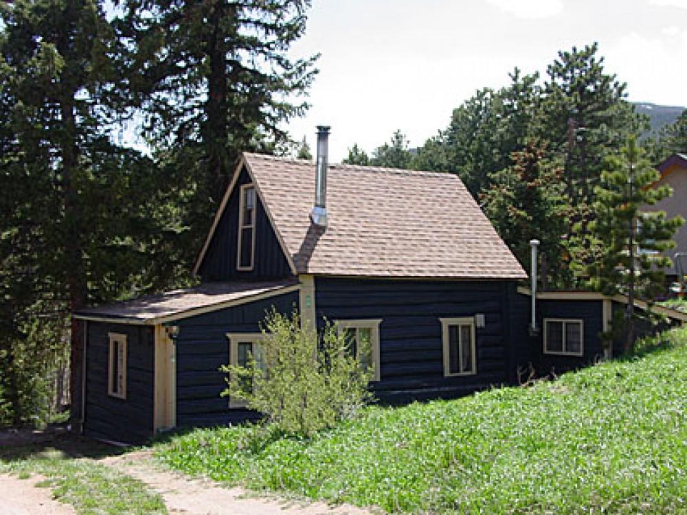 Allenspark vacation rental with Blue Bark Cottage
