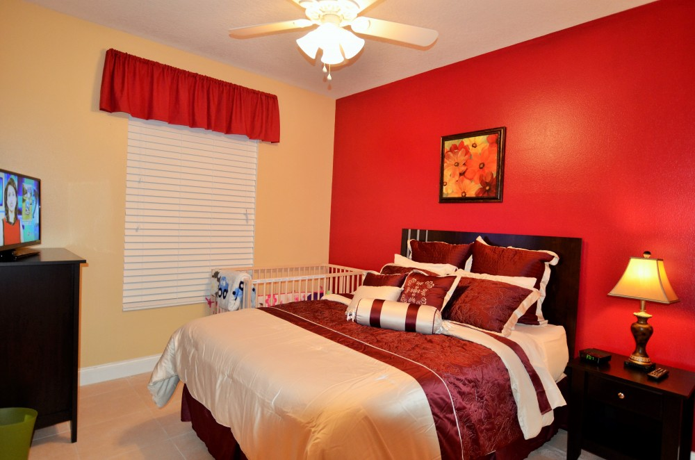 Kissimmee vacation rental with Queen size bedroom 1