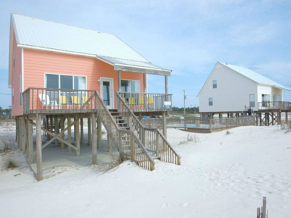 Gulf Shores vacation rental with Summer Wind is Beach Front and Next to the Pool