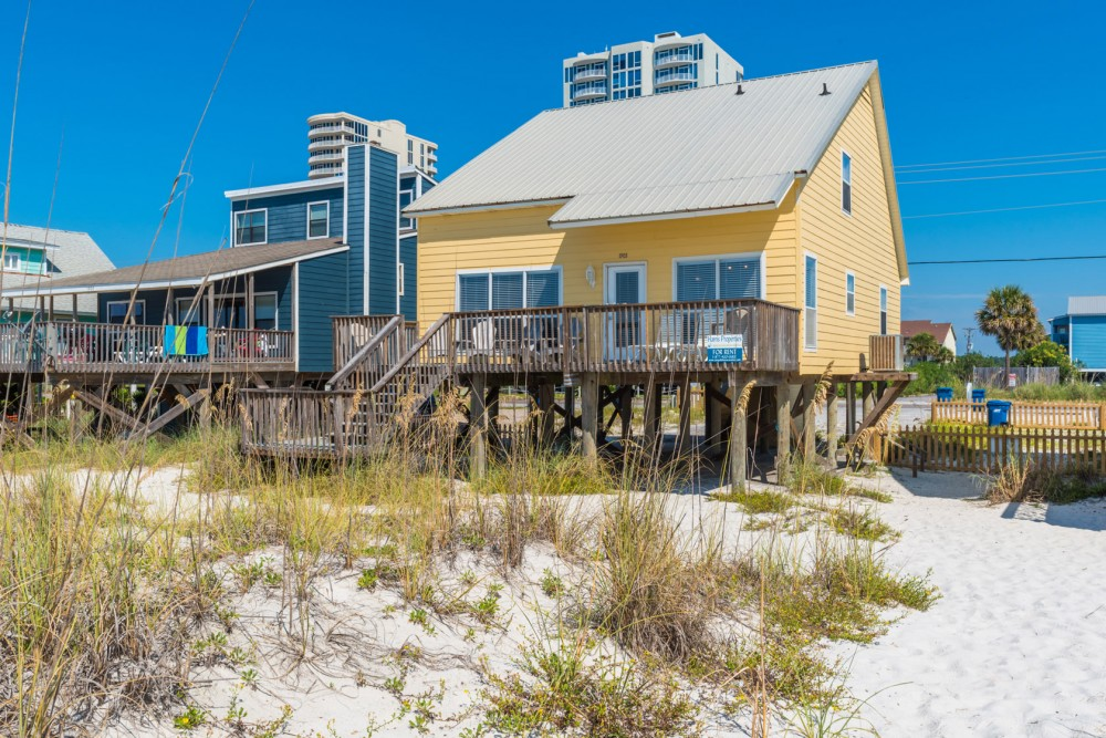 Gulf Shores vacation rental with Somewhere in Time 2 is Directly Beach Front