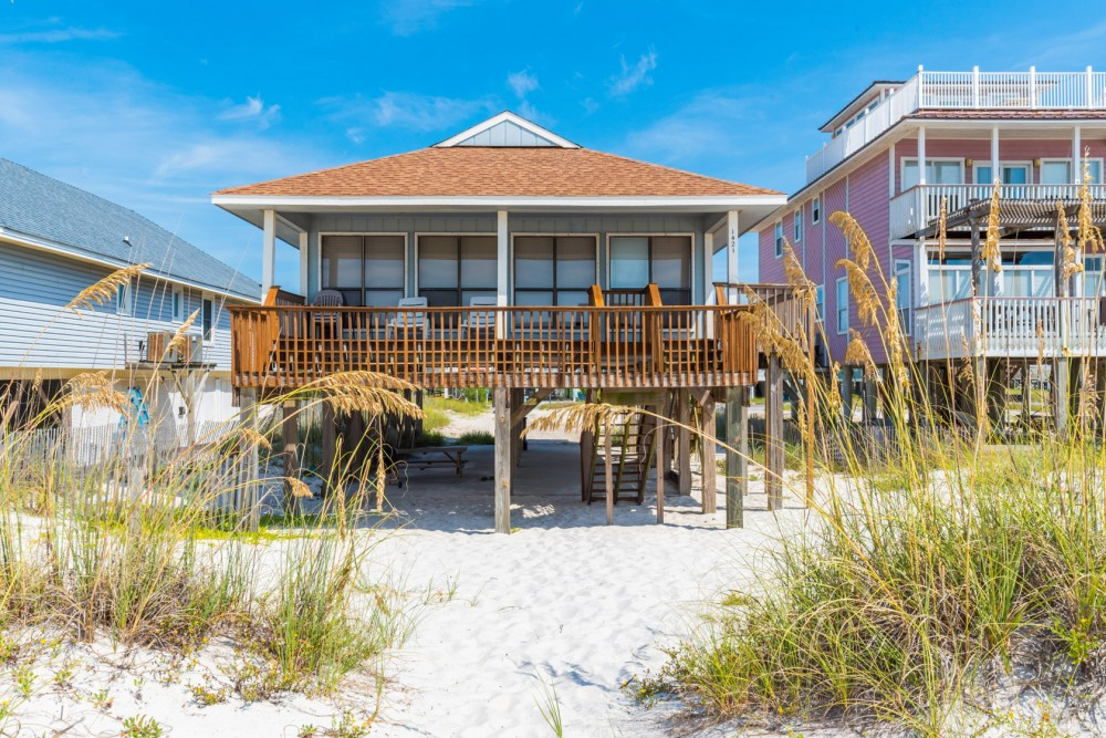 Gulf Shores vacation rental with Drift Inn 2 offers guests a great beachfront value